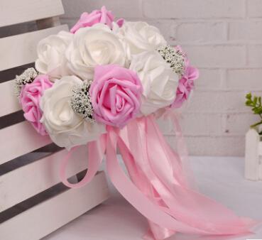 Novia fresca y romántica con flores Rosas y babysbreath Flores artificiales Rosa, naranja, púrpura y rojo Ramos de novia