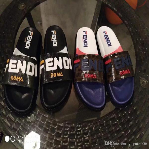 Hommes Femmes Sandales Designer Chaussures De Luxe Slide Été noir blanc Fashion Large Plat Glissant Avec Épais Sandales Slipper Flip Flop taille