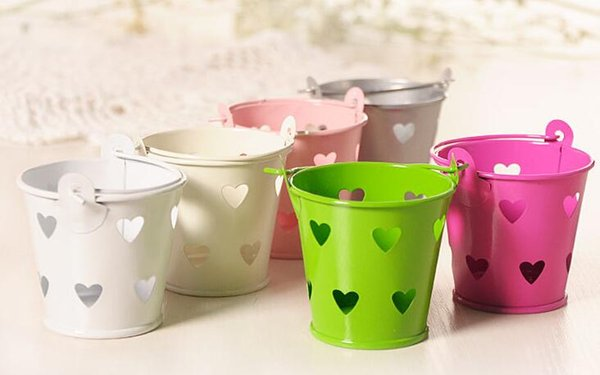 Colorful Heart Hollow Out Tin Pails Mini Bucket Wedding Candy Box Casamento Chocolate Favors Boxes Free Shipping