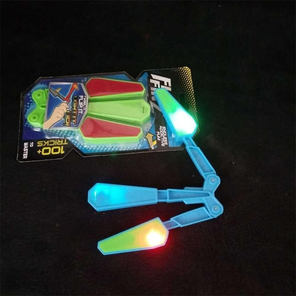 Fidget Spinner Essential Toys Flip Finz LED Light Up Luminous Plastic Flail Knife Toy Motion Rotation Decompression Butterfly Knifes ff