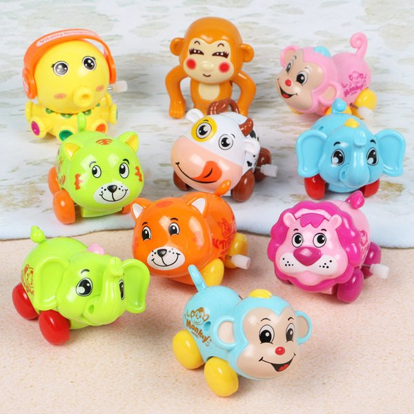 I giocattoli di orologi all'ingrosso dei produttori si muoveranno verso l'alto i giocattoli a catena, i bambini impareranno a gattonare le corde, piccole macchinine di animali.