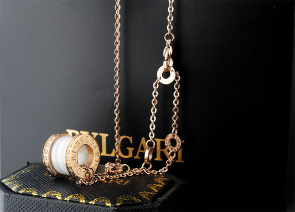 Factory Sell High Quality Luxury diamond Ceramic necklace Fashion Woman's Metal Letter spring necklace With Box