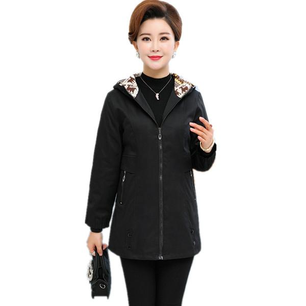 5XL Plus Size Slim Frauen Windbreaker mittleren Alters weibliche Kapuzen Langarm schwarz Mantel Mode elegante Frau Winter Trenchcoat
