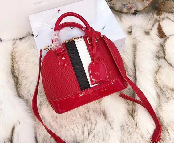 Ins Super Fire Female 2018 New Wave Fashion Simple Shoulder Patent Leather Personality Stripes Bag Korean Version Of The Wild