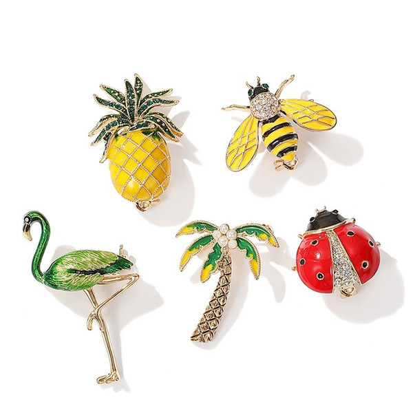 Enameled Pineapple Crowned Crane Coconut Tree Ladybug Bee Brooches Rhinestone for Women Bird Animal Pins Jewelry