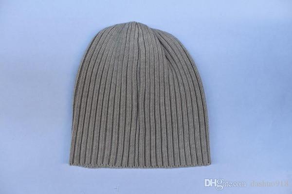 ot Winter unisex Tide brand BOX LOGO men brand knitted hat classical sports skull caps women casual outdoor beanies