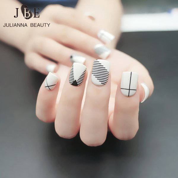 designer nail tips 24pcs Fashion Fake Nail Tips For Child Pre Designed Kid Fake Nails Short Fingernails With Free Glue Lovely White