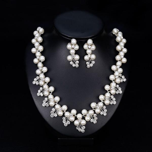Neue Mode Frauen Elegant Strass Kristall Hochzeit Braut Faux Perlen Blume Brosche Schmuck Halskette Ohrringe Set für Hochzeit