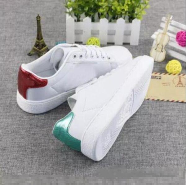 Shpping libre Ace bordado de abeja mujeres zapatos blancos pequeños Otoño moda plana zapatos casuales zapatillas de deporte Para hombres mujeres zapatos zapatos para caminar