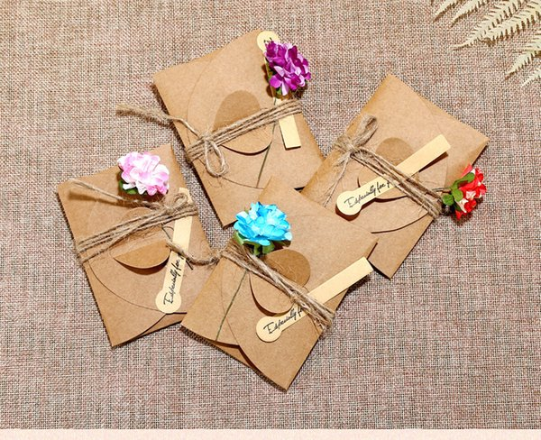 Creative retro kraft paper dry flower greeting cards, personalized DIY greetings greeting cards, holiday universal greeting cards. [small]