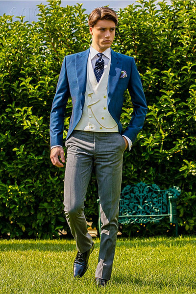 Double Breasted Royal Blue Suit Men Jacket Vertical Striped Suit Pants Skinny Tuxedo Formal Men Suits for Wedding 3 Pieces D6709