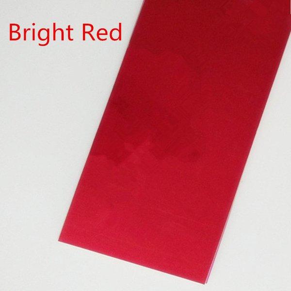 Cor: vermelho brilhante