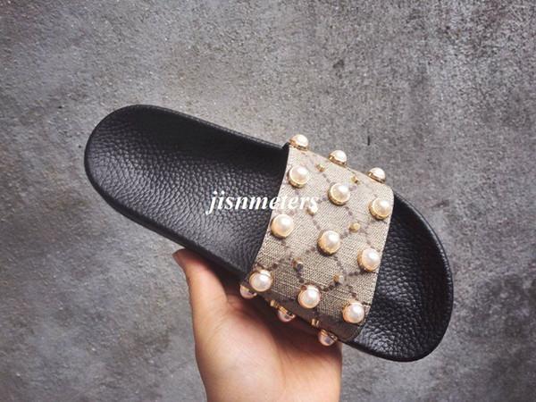 Fabrika outlet erkek bayan moda Inci etkisi ve goldtone damızlık trim kauçuk kaymak sandalet erkek kız unisex plaj nedensel terlik