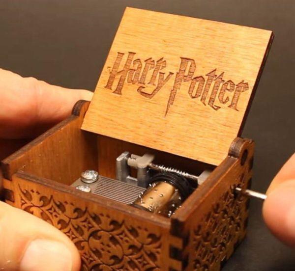 [Harry Potter] [Game of Thrones] Jouets à manivelle en bois gravés
