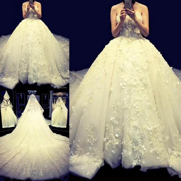 Arabic Ball Gown Wedding Dresses with 3D Floral Appliques Cathedral Train Lace Up Bridal Gowns Princess Plus Size Bride Wedding Gowns
