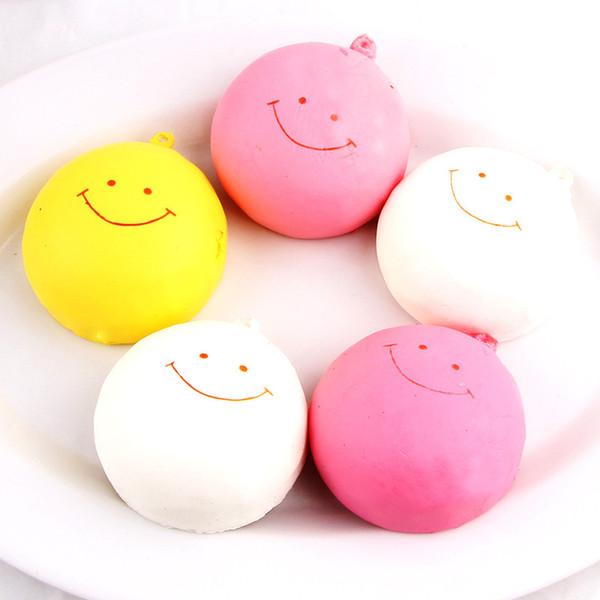 Gerçekçi Yuvarlak Squishy Simülasyon Emoji Gülümseme Yüz Buğulanmış Çörekler Squishies Sevimli Ekmek Cep Telefonu Charms Pembe 3 8lg BR