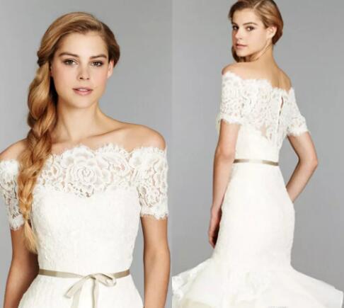 2018 Cheap Off Shoulder Lace Bolero Jacket Illusion Covered Button Jackets Bridal Shrug Bride Wraps Wedding Dress Accessories Shawl