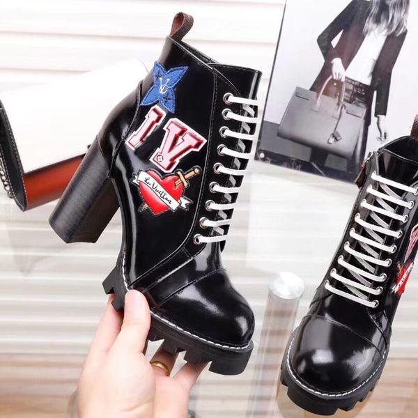 Moda stivali di design di lusso per donna nuovo Con altezza 9,5 cm Pelle verniciata Tacco ruvido Stivali Martin stivali invernali da donna di grandi dimensioni