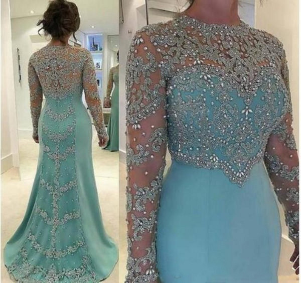 2018 Modest Mother of the Bride Dresses Long Sleeve Crystals Lace Appliques Jewel Mother's Dresses Formal Evening Dresses