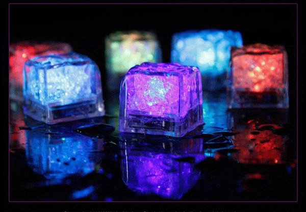 Delicate Flash LED Ice Cube For Drinks Water-Activated Bucket Light up Flash Automatically for Party Wedding color changing lights Luminous