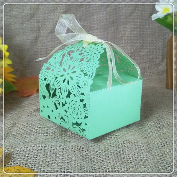 50 Adet düğün romantik çiçek şekli düğün şeker kutusu hediye kutusu şerit parti dekorasyon Noel şeker kutusu 5ZT20