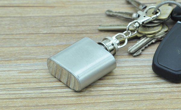 High Quality 1oz stainless steel mini hip flask with keychain Portable party outdoor wine bottle with Key chains