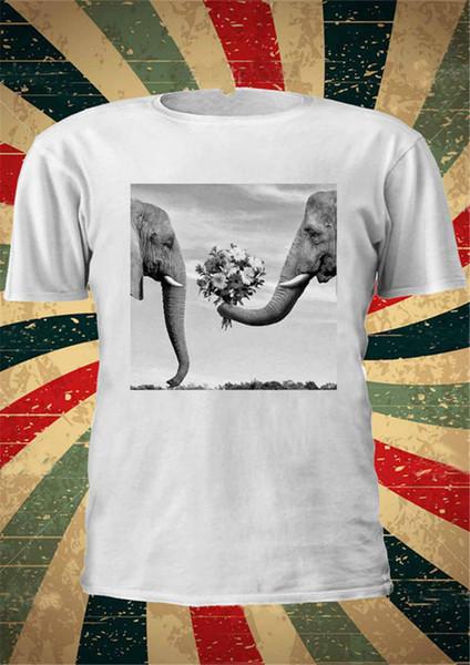 Новый 2018 Мода Графический О-Образным Вырезом Романтический Слоны, Дающие Цветы С Коротким Рукавом Мужские Футболки