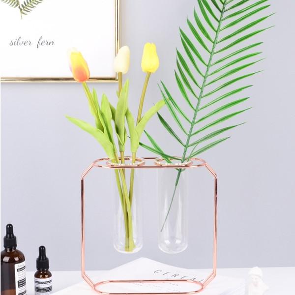 Nuovo vaso in ferro battuto in oro rosa Provetta fiore in vetro inserto fiore semplice Decorazione domestica Accessori moda per la casa.
