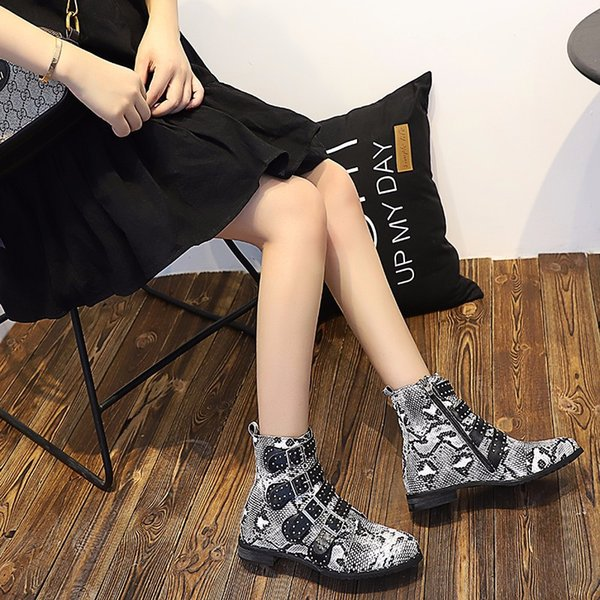 2018 Snakeskin Ankle Boots Women Pointed Toe Hollow Rivet Metal Decor High Heel Boots Women Fashion Martin Boots Casual