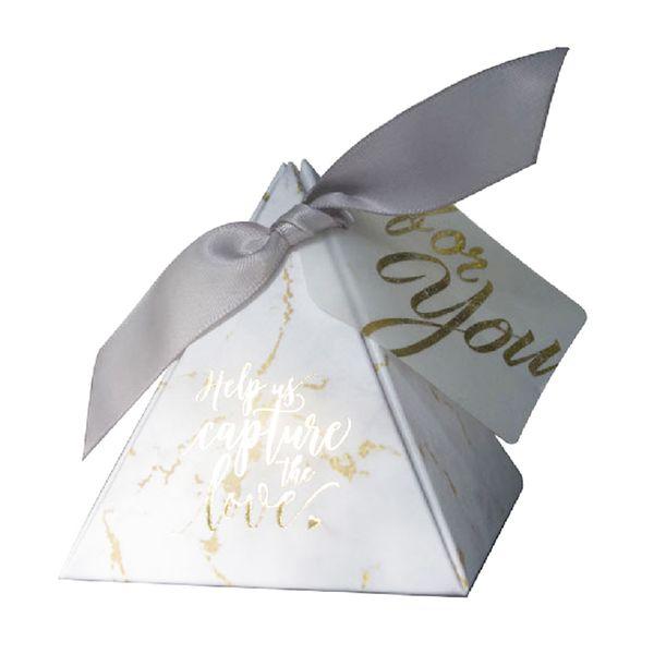 20pcs / lot Triangulaire Pyramide cadeau boîte faveurs de mariage et cadeaux bonbons boîte cadeaux de mariage pour la décoration des invités