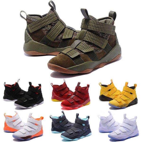 Free Shipping Zoom Soldier 11 Igloo Kay Yow Green Camo Court General Grey Gum Military Themed Mens Basketball Shoes Size 40-46