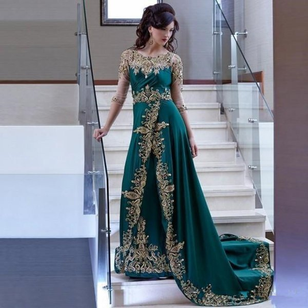 Arabic Dubai Hunter Green Evening Dresses Sheer Long Sleeves Gold Lace Appliqued Embroidery Beaded Celebrity Prom Dress Formal Party Gowns
