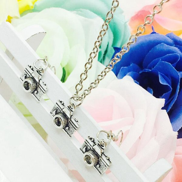 2018 New Popular Hot Sell Antique Silver Camera Charm Pendant Necklace Earring Set Fashion Creative Women Jewelry Accessories Holiday Gift