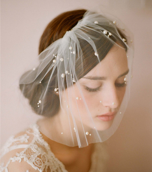 Ivory Bridal Birdcage Hat Veil Tulle 1 Layer Pearls Feather Headpiece Wedding Short Blusher Veil Bride Veil Simple Comb Cut Edge Accessories