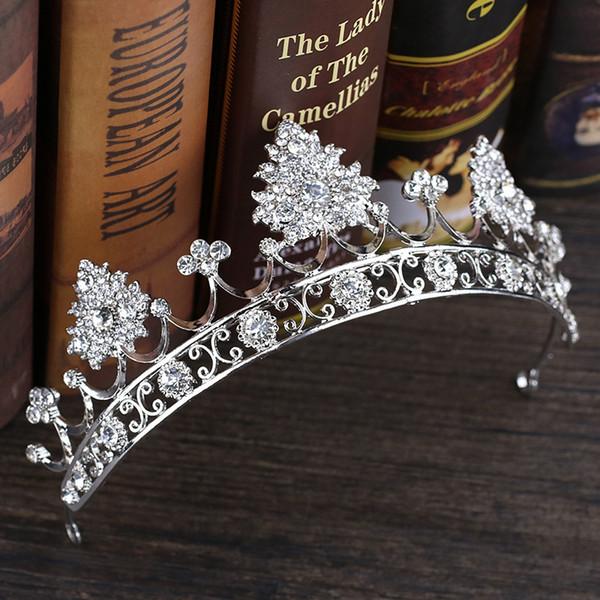 2019 New Bridal Headwear Beautiful Alloy Handmade Crown Bride Tiaras Crown Bridal Hair Accessories Headband Wedding Accessories Wholesale