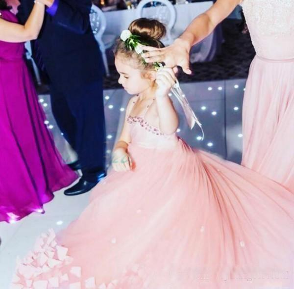 Charming Dusty Pink Flower Girl Dresses For Weddings With Crystals Spaghetti Straps Girls Pageant Gowns petal Appliques Long Puffy Kids Part