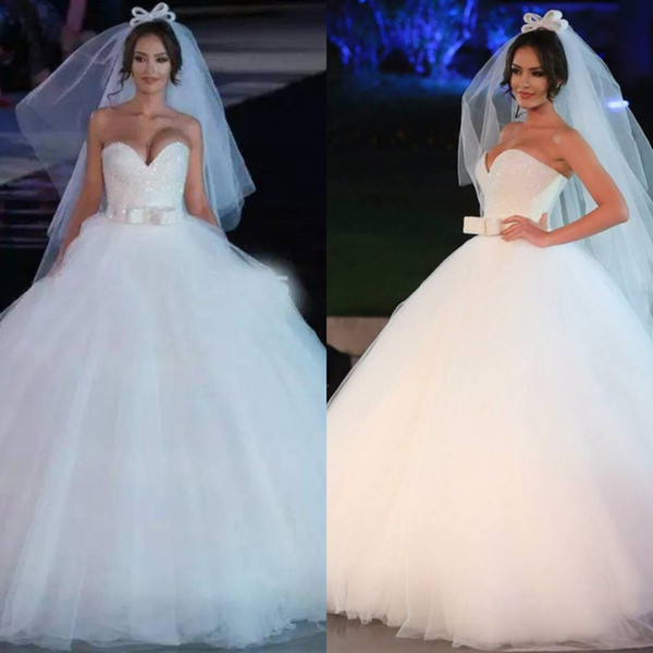 Elegant Sweetheart Bling Ball Gown Wedding Dresses 2019 Plus Size Garden Bridal Gown With Bow Sash Beautiful Background Turkey Wedding Dress
