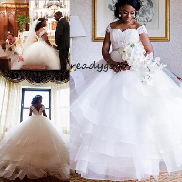 Tiered Ruffles Wedding Dress Organza White Sweetheart Wedding Gowns With Beading Belt Sweep Train Bridal Ball Gowns Cap Sleeves