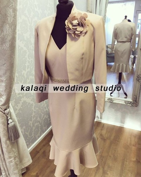 Pink Short Mother of Bride Dresses 2018 Mermaid V-Neck Two Pieces Knee Length Satin Plus Size Mothers of the Groom Dresses Weddings Gowns