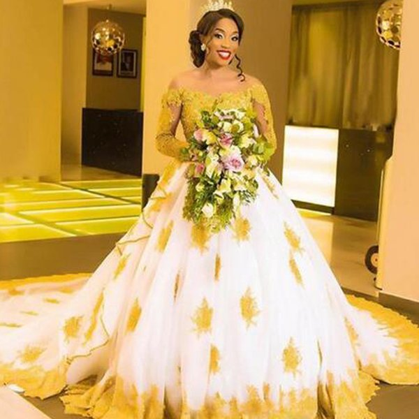 2019 Luxury Dubai Arabic Ball Gown Wedding Dresses Gold Lace Appliques White Ivory Tulle Bridal Gowns Chapel Train Long Sleeves