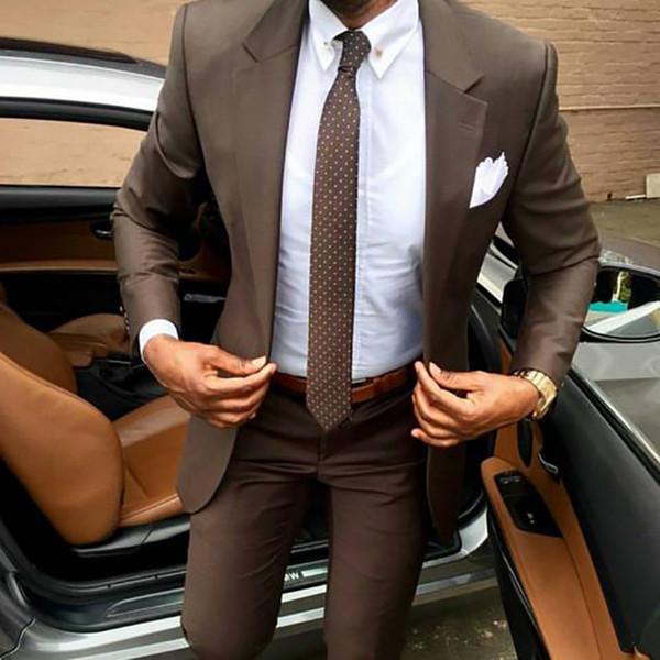 2018 Neueste Mantelhosen-Designs Brauner Anzug für Männer Slim Fit elegante Smoking Hochzeitskleid für Business-Party Sommerjacke und -hose