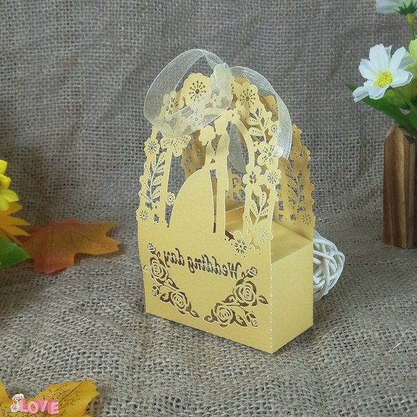 50pcs Groom and Bride Design Wedding Candy Box Gift Box KWAYE Ribbon Party Decoration Christmas Cookie Candy Box 6ZT19