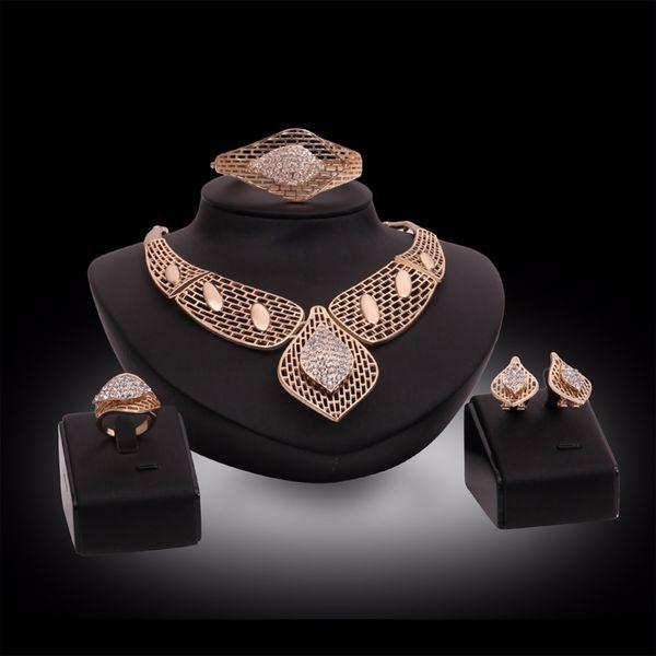 Collana esagerata di grandi choker per le donne Dichiarazione di perline africane Bracciale a catena Orecchini Anello Set di gioielli Accessori da sposa