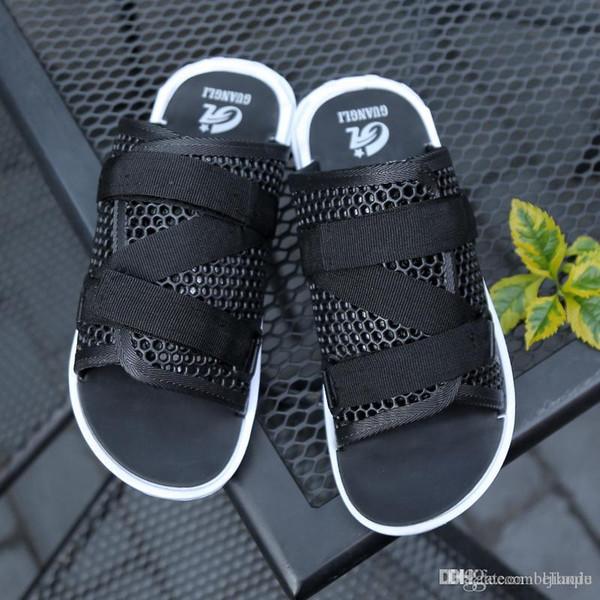 Sıcak satış tasarımcı Plaj Terlik Yaz Kauçuk Sandalet Delik Ayakkabı Katır Flip Flop Pantufas Chinelos Bahçe Moda Eva Zapatos Hombr