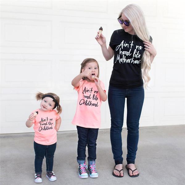 Yaz Aile Eşleştirme Kıyafetler Anne ve Beni Giysi Mektup Kısa Kollu Tişört Anne Kızı Tees Tops Aile Bak Giyim