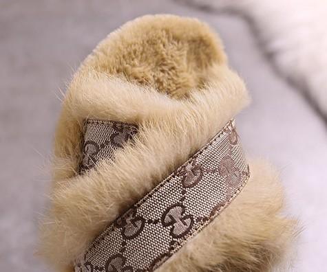 Мода Роскошный Дизайнер Женская Обувь Тапочки Женская Обувь Женщины Тапочки Крытый Сандалии Девушки Мода Потертости Высокое Качество Меховые Горки