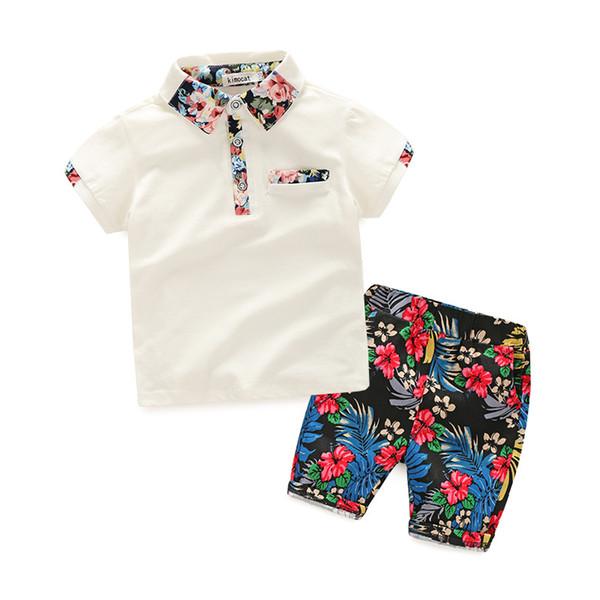 2 Color Boys traje INS 2018 Verano nuevos niños Camiseta de manga corta Camiseta de solapa + Pantalones cortos de flores 2 juegos de conjuntos Traje de ropa de bebé B