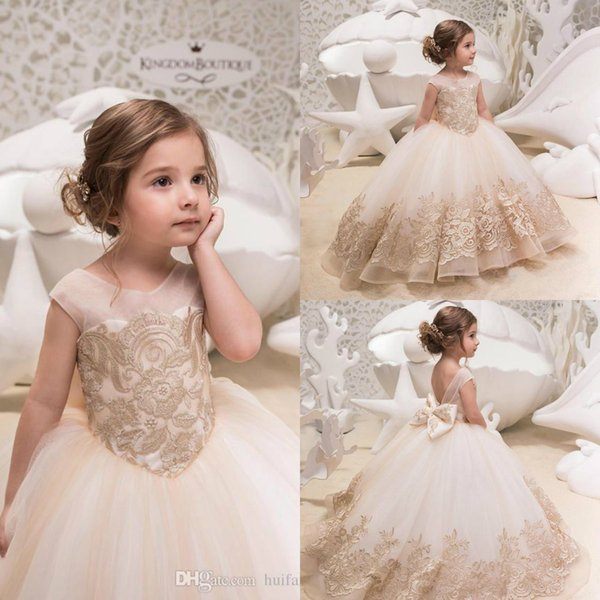 Lovely Princess Flower Girl Dresses Champagne Lace Applique Bow Birthday Party Gowns Custom Made Floor Length Pageant Dress