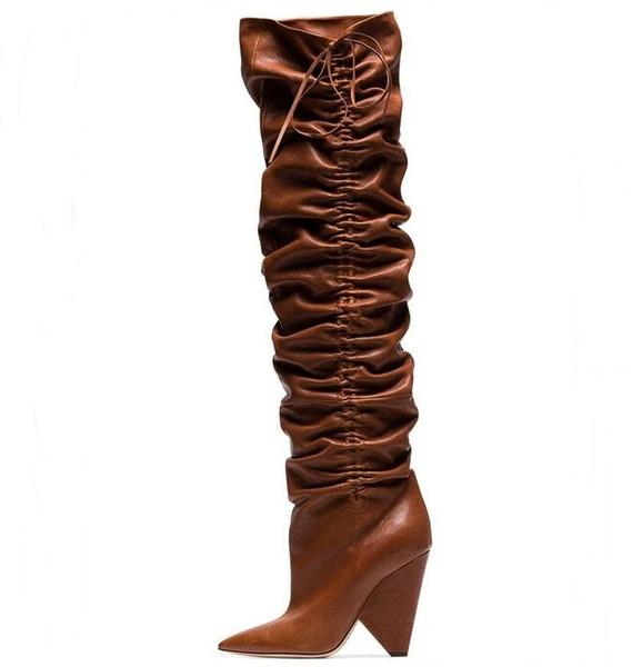 Compre Strange Style Mujer Marrón Punta Estrecha Arrugado Botas De Invierno Con Cordones Hoof Heels Rodilla Botines Altos Moda Mujer Zapatos Más El