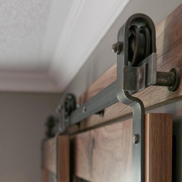 top popular Single Track Bypass Sliding Barn Door Hardware Kit Sliding Barn Door Hardware Double Track System Set 2021